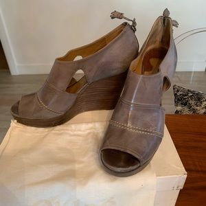Chloe size 10.5 grey leather wedges.